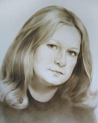 Портрет девушки в технике сухая кисть